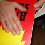 Comment racler le fart d'un snowboard et le polir