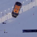 Le premier Backflip en voiture sur la neige